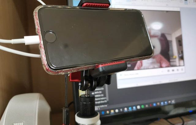 Webカメラが買えない?リモートワークやリモート飲み会にスマートフォンをカメラとして使う方法