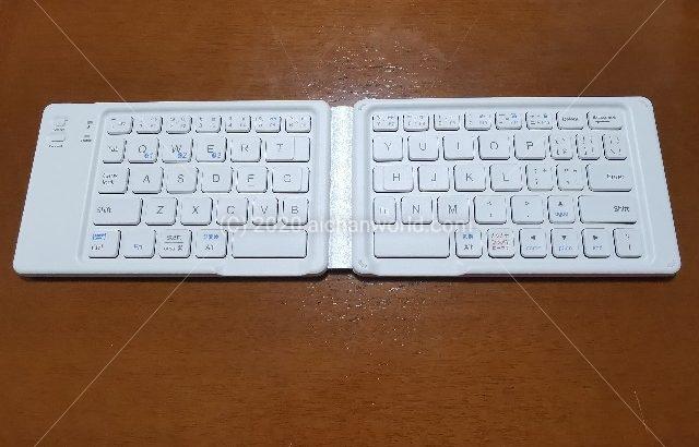 icleverの二つ折りキーボード IC-BK06lite