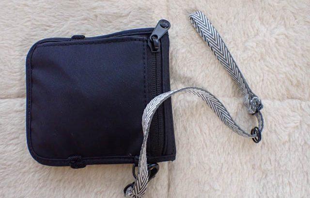 """海外旅行に、日常使いに、安全度の高い財布 """"Pacsafe RFIDsafe V100 RFID Blocking Bifold Wallet"""""""